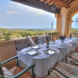 Dining table with Pont dur Gard view!